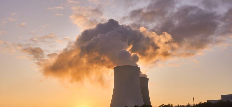 nuclear-power-plant-4535760_1920 (1)